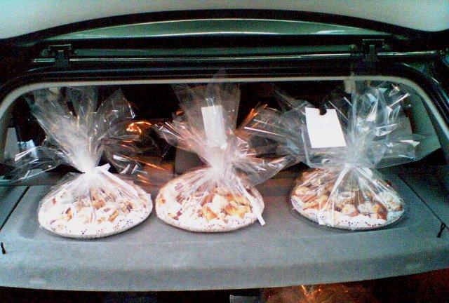 Linda a Ondra  07.07.07 - Rozvoz koláčů nám...