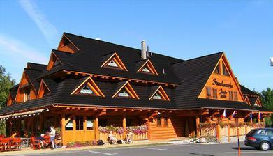 Miesto svadobnej hostiny. Hotel Strachanovka v Liptovskom Jáne. Vo videckom štýle uprostred nádhernej prírody.