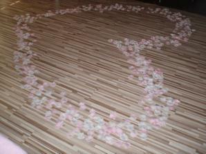 Na úvodný manželský tanec máme kúpené takéto lupienky.