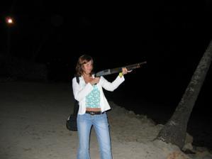 drsná holky :-), ba ne nacpal mi jí hlídač pláže pomalu násilím