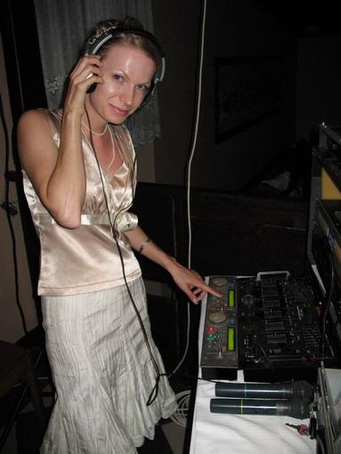 Monika{{_AND_}}Michal - a ide sa na to.DJ Monika.