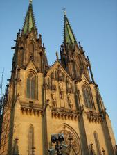 dnes jsme se byli podívat u katedrály ,nanečisto:-)zbývá sedmnáct dnů