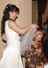 skodoradostne odovzdavam svadobnu stafetu dalej :o)))