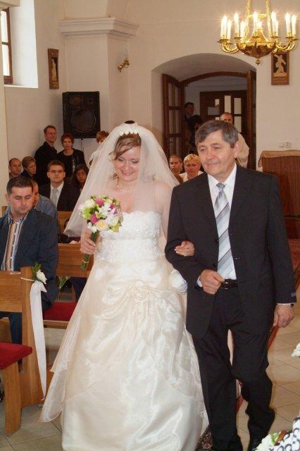 chrobacik{{_AND_}}chrustik - Otec vedie dcéru