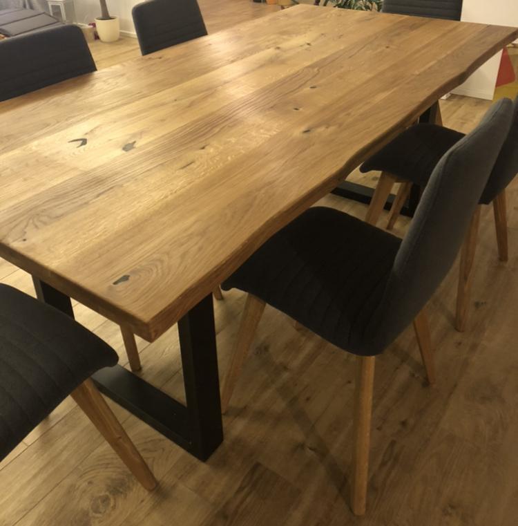 Majitelé dubových stolů, jaký máte prosím osvědčený olej na povrchovou údržbu ? Děkuji - Obrázek č. 1