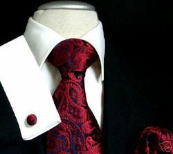 vydražená kravata pro taťuldu na e-bay aby ladil k mamce-taky je už doma
