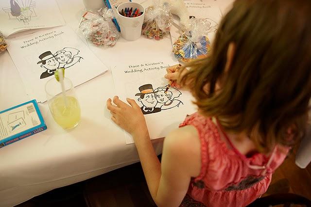 Naše malá puntíkovaná svatba - Omalovánky se svatební tematikou - zábava pro děti bude součástí přílohy svatebních novin
