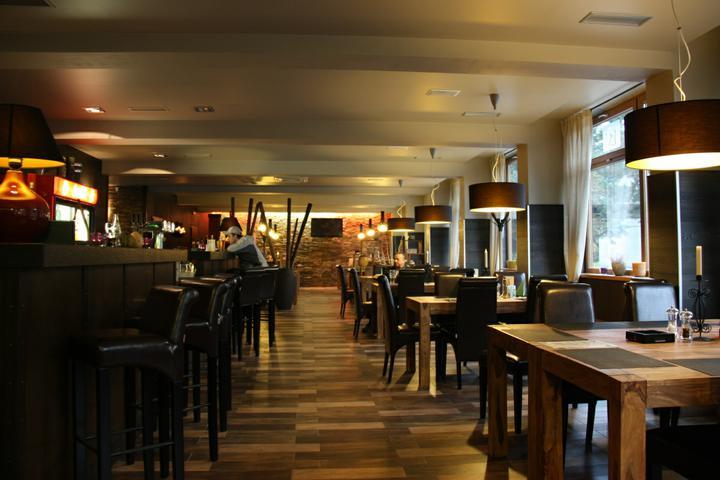 Naše malá puntíkovaná svatba - Tady bude naše oslava - restaurace La Vida v Ostravě se skvělým panem šéfkuchařem Martinem Holčákem