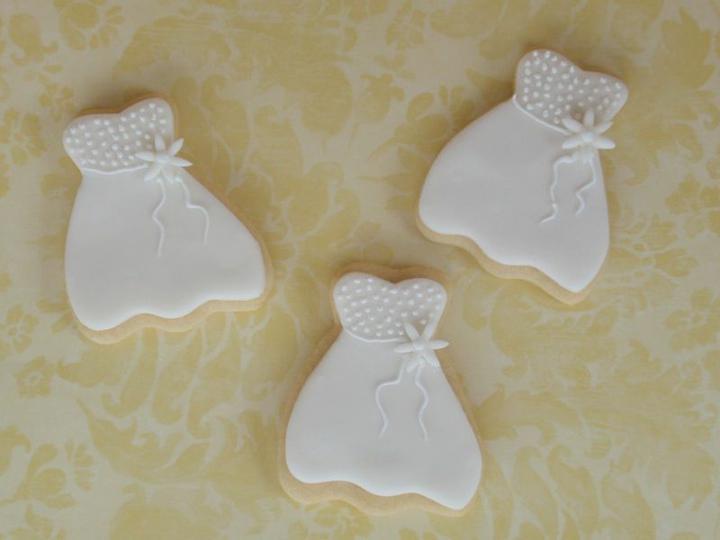 Naše malá puntíkovaná svatba - I sladké šatičky jsou polka dot...