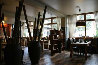 Restaurace má hezký, zajímavý interiér