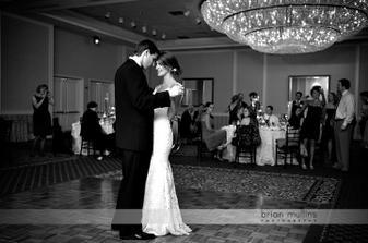 Nevěsta má krásný účes