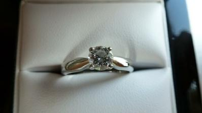 Zásnubní prstýnek