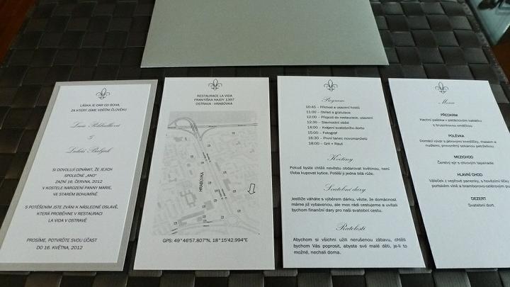 Vive la France - co již máme/budeme mít - A tady celý balíček (mapka je oboustranná- kostel/restaurace)