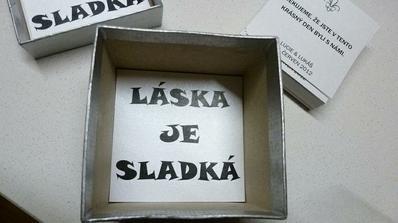 Vnitřek krabičky