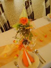 .. a na stoly pre hostí..