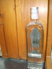 ano,ano,lahvinka musí být,stále se udržuje venkovní teplota domoviny :)