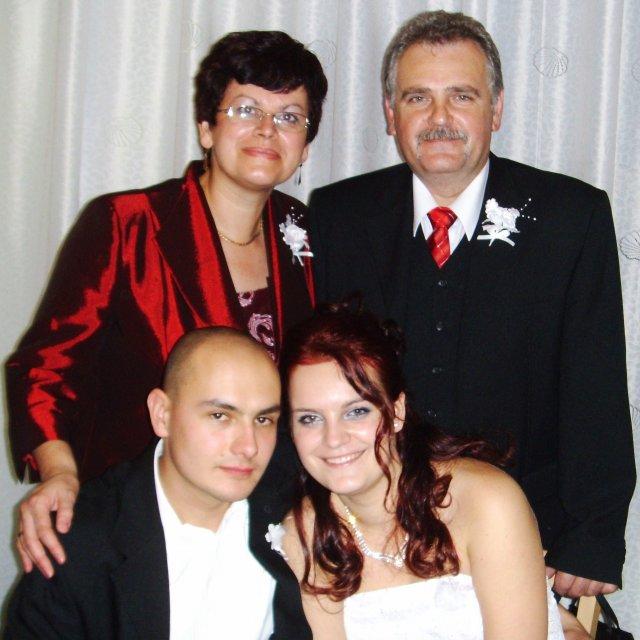 Mirka Hužvarová{{_AND_}}Tomáš Tarnoczi - tomasovi rodicia