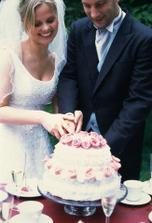 Asi nějvětší klasika. Zařadit do programu dne krájení dortu patří už k tradici.