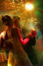 První tanec - ztlumená světla ještě více umocní atmosféru