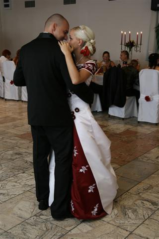 Martina{{_AND_}}Matúš - nas prvy tanec