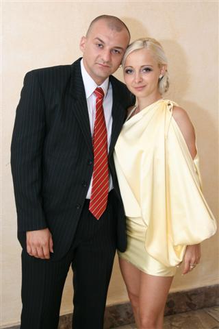 Martina{{_AND_}}Matúš - tu uz mame po vsetkom drahy si nestihol dat zltu kravatu :) po tejto fotke ju uz mal