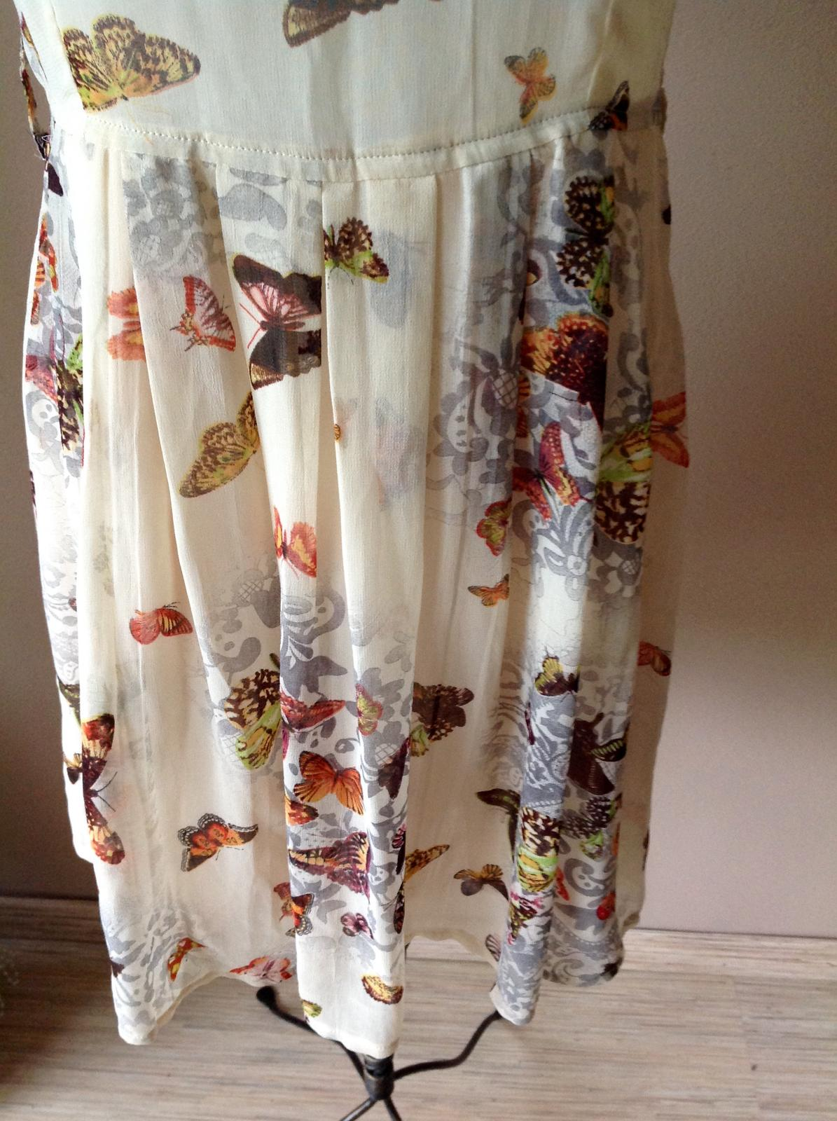 Motylíkové šaty - Obrázok č. 2