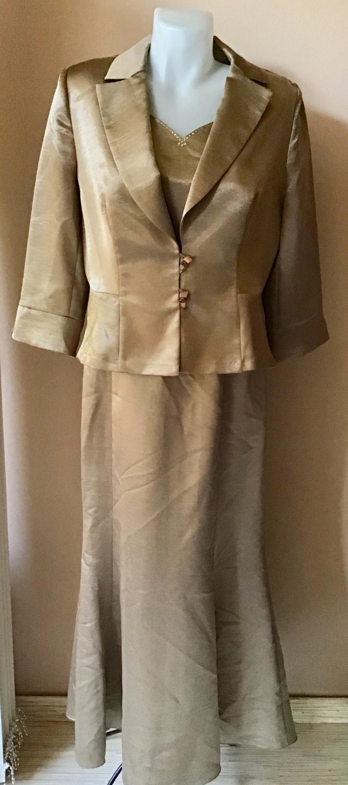 Šaty a sačko - Obrázok č. 1