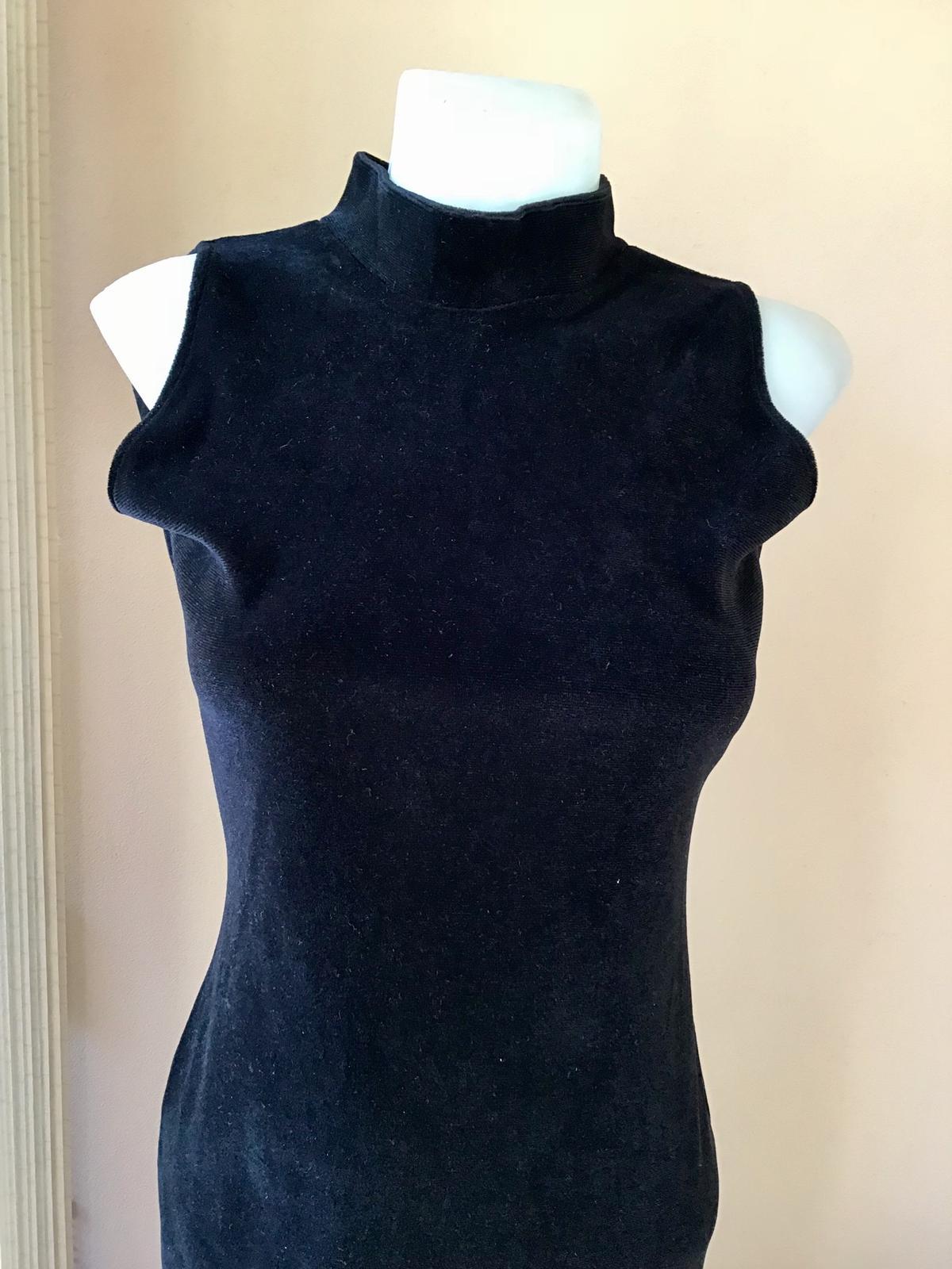 Zamatové šaty - Obrázok č. 4