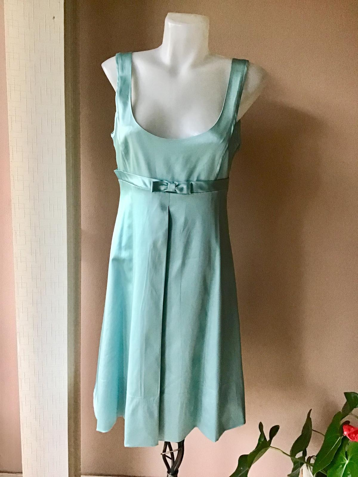 Prekrasne nenosene šaty Warwhouse - Obrázok č. 1