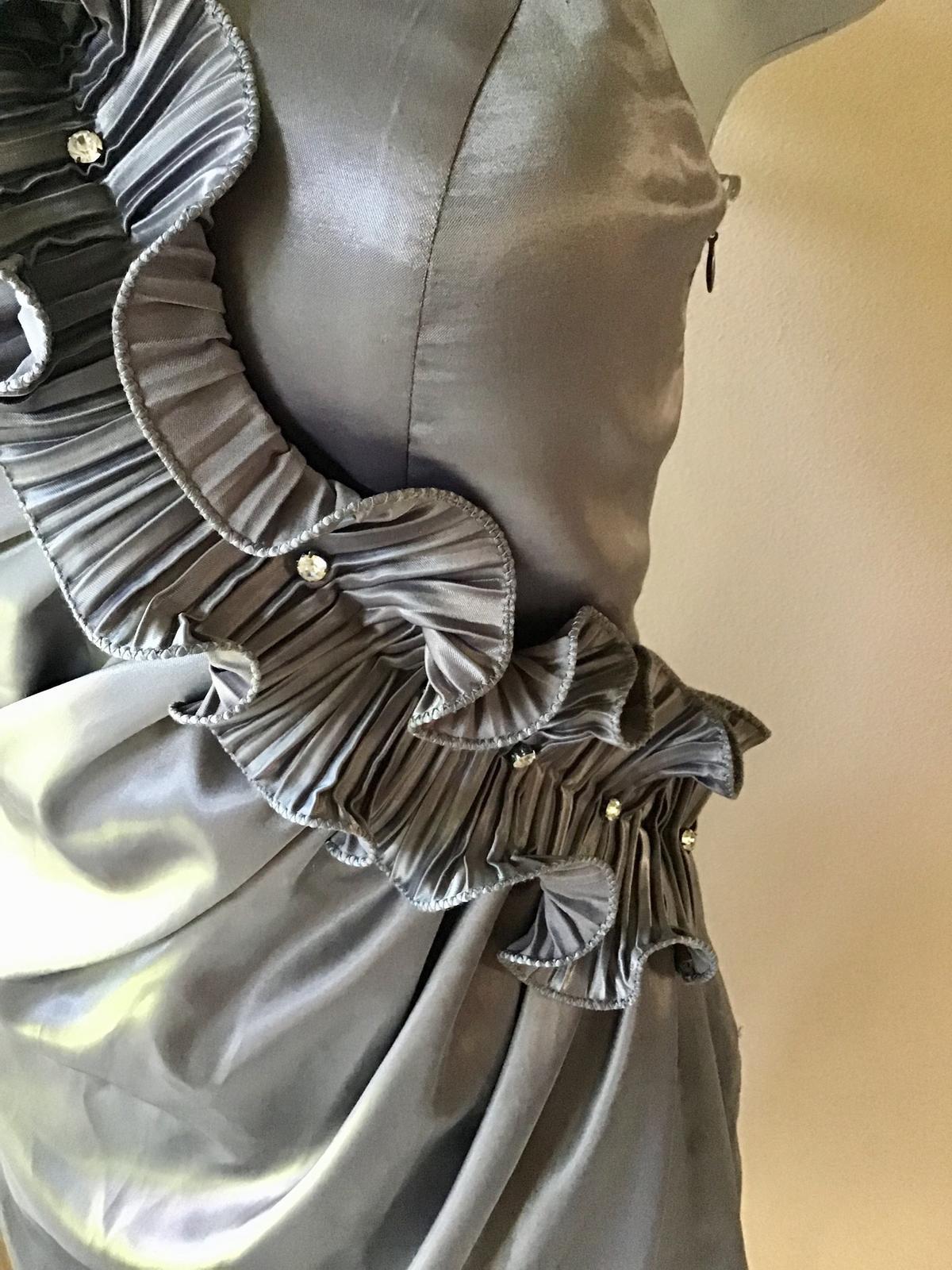 Satenove šaty - Obrázok č. 2