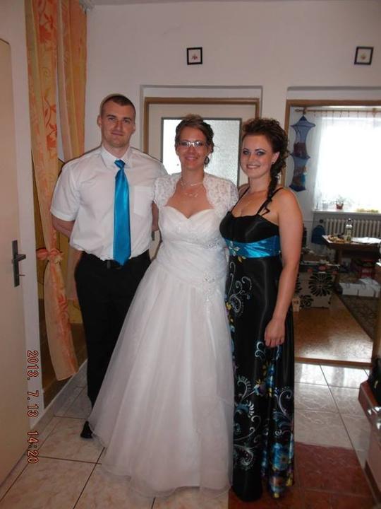 Veronika{{_AND_}}Stanko 13.7.2013 - prvá neoficiálna, ešte bez ženícha s mojou spolužiačkou,bývalou kolegyňou a najlepšou kamarátkou Evkou v jednom a s jej priateľom Igorom :)