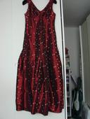Vínové šaty, 42