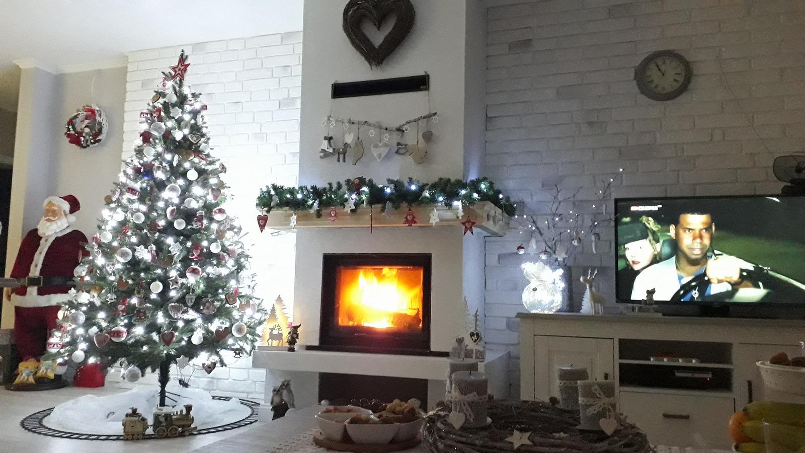 Náš domček bielo-šedý seversko-vidiecky štýl - naše prvé Vianoce v novom domčeku