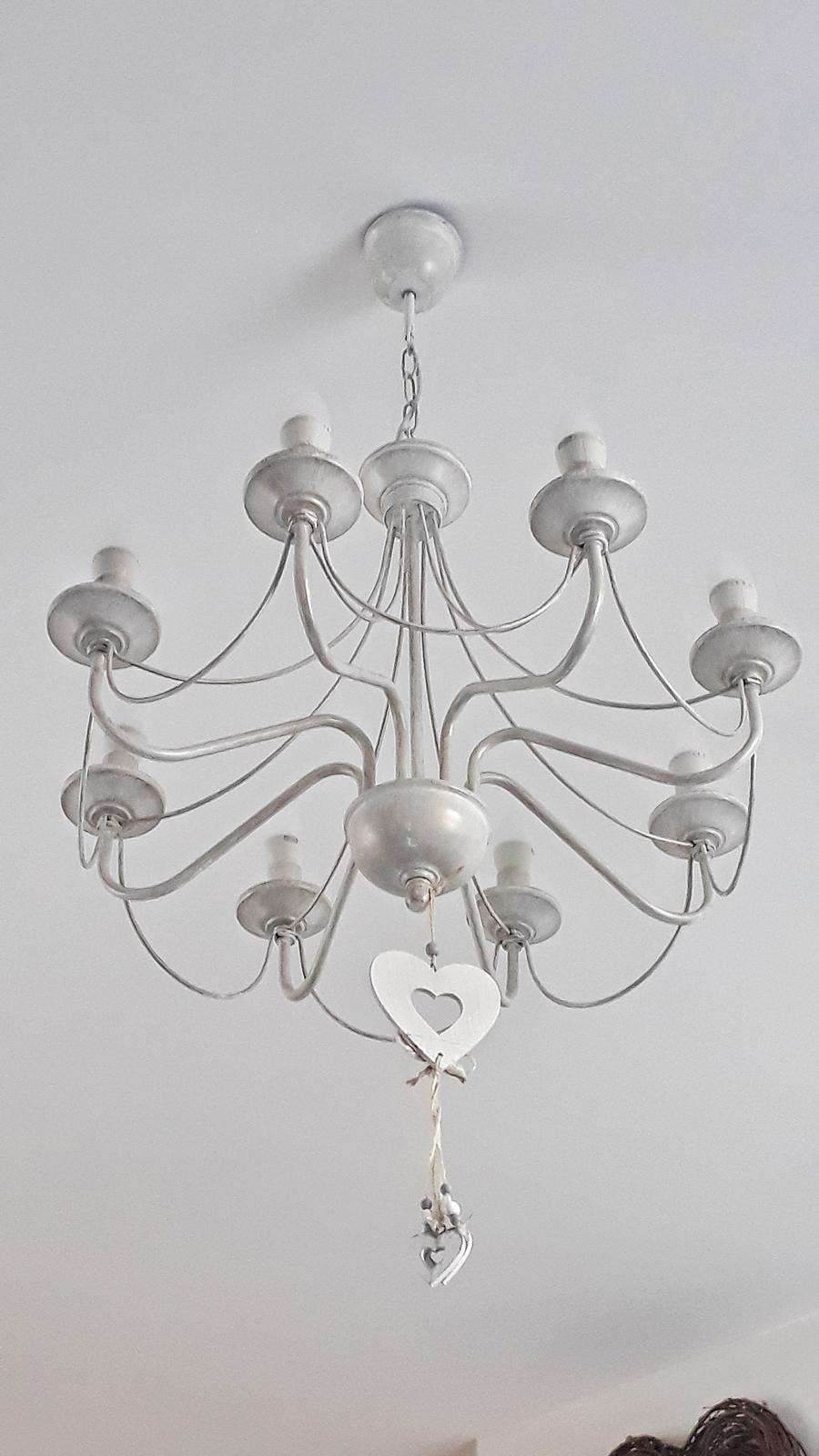 Náš domček bielo-šedý seversko-vidiecky štýl - nase lustre, ktore zboznujem