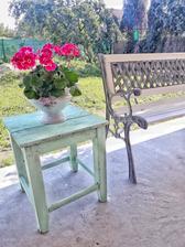 Stará stolička natretá do farby mint-ispiracia z Pinterestu