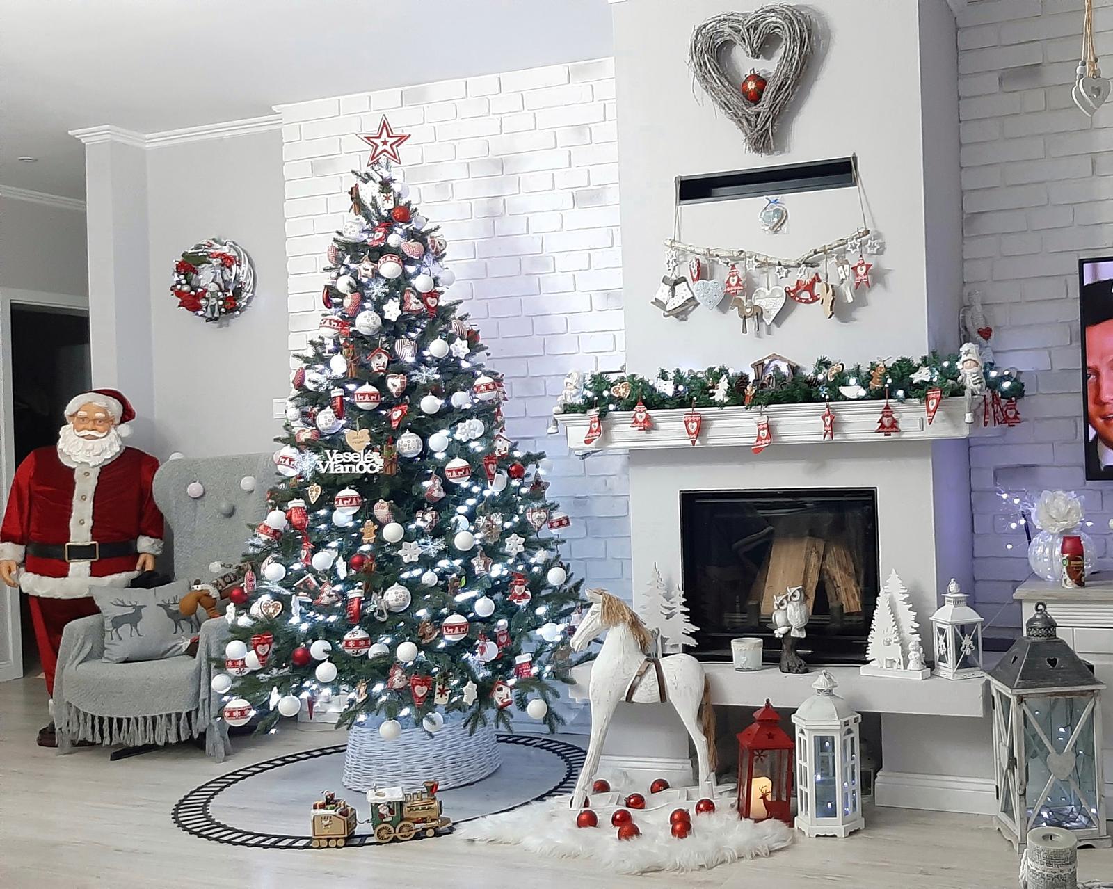 Náš domček bielo-šedý seversko-vidiecky štýl - Vianoce 2019
