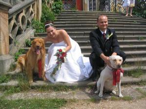 S psími milačky - Eryl má rudou kravatu a Pennynka má mašly