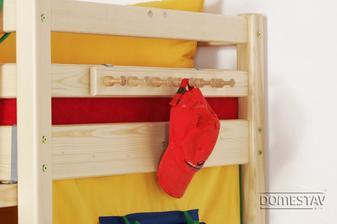 závěsný věšák na postel