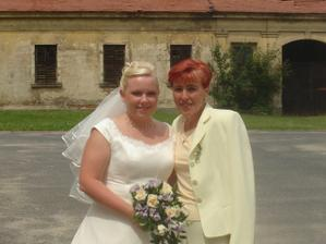 nevěsta s maminkou