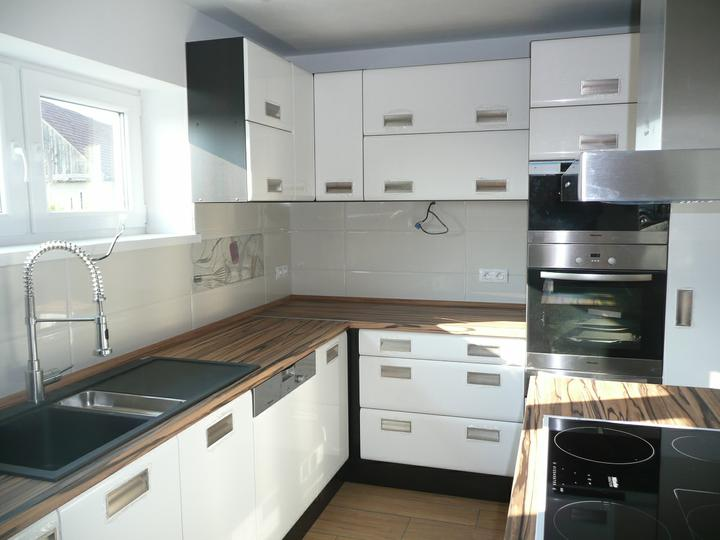 Kuchyno-obyvacka az kdesi do prirucnej pracovne - poobede mame slnecno :)