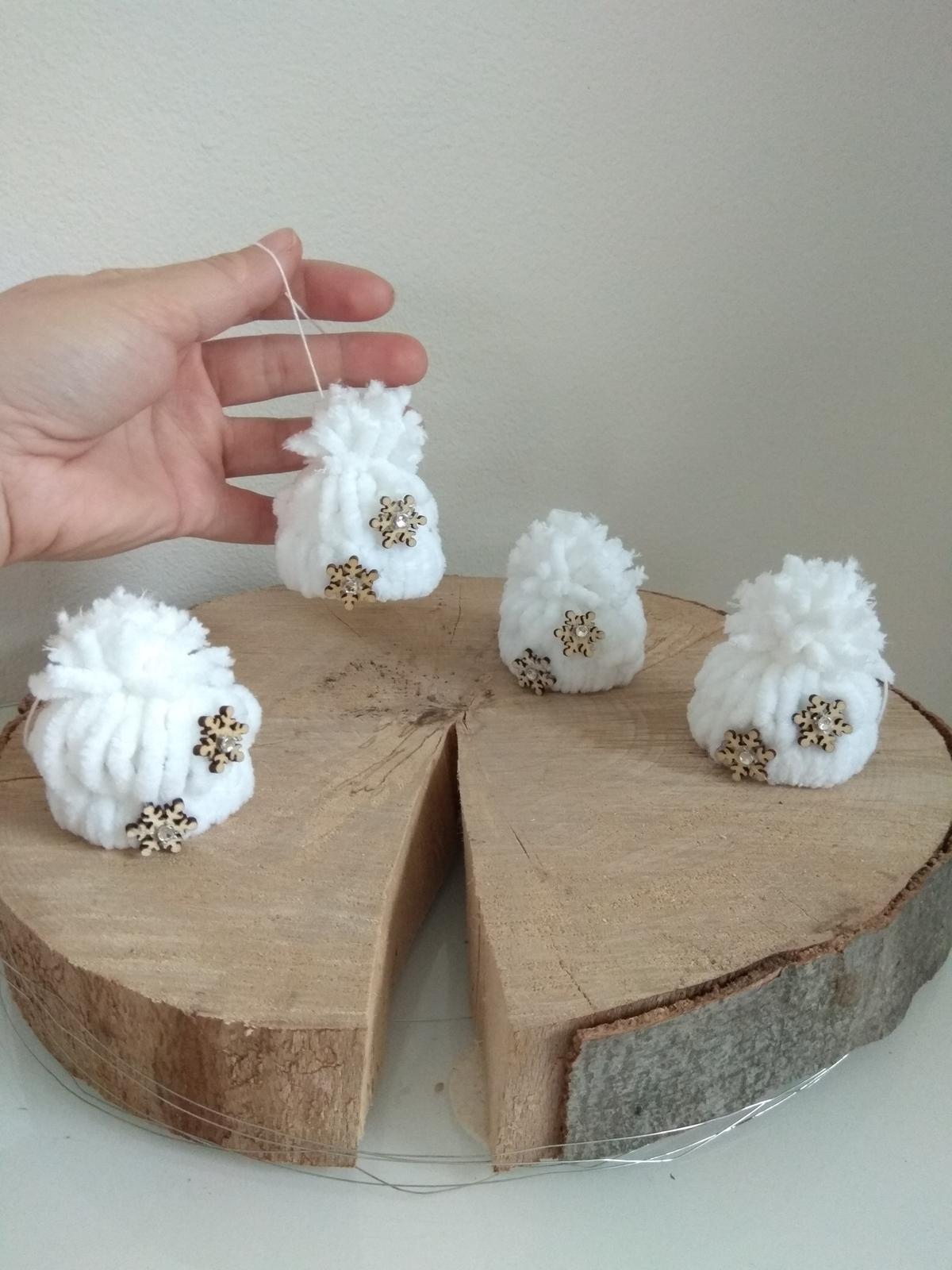 Když tvořím podle něčeho, aneb moje DIY - Čepice. Snad Ježíšek přinese větší stromeček než vloni
