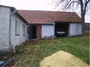 Stodola byla  používána původním majitelem jako garáž