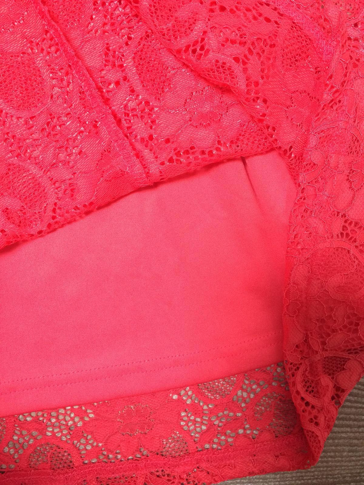 Korálové šaty - Obrázok č. 3