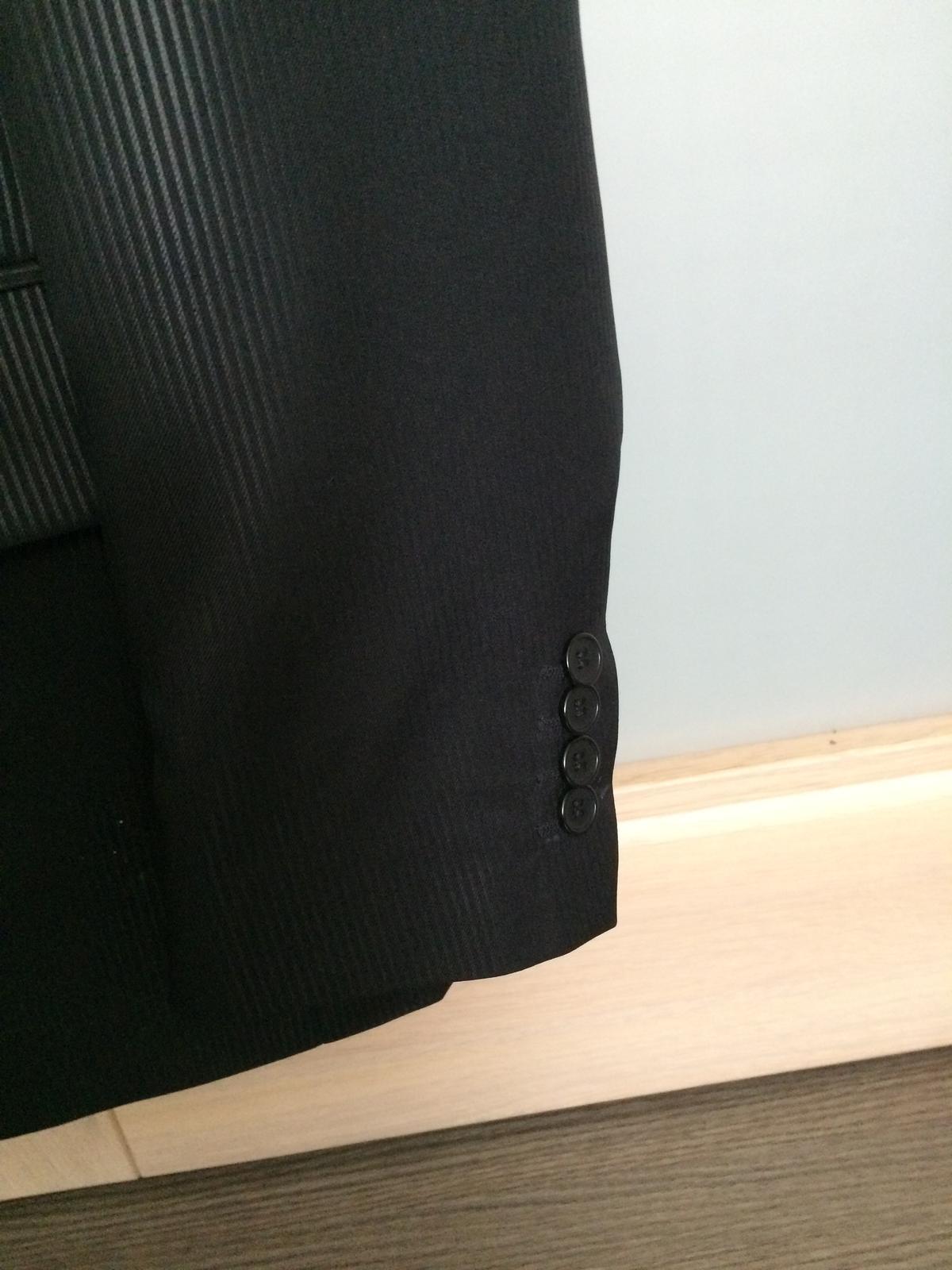 Pánsky čierny oblek - Obrázok č. 2