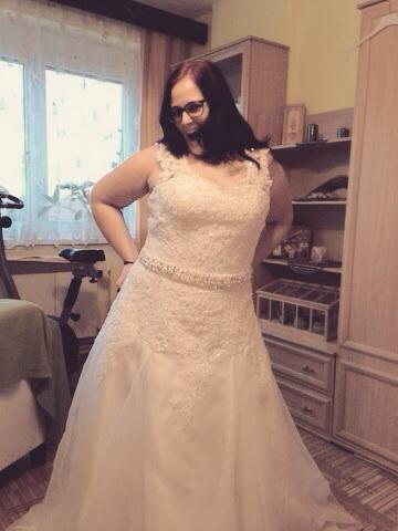 4817ef4ba65 Objednávaly jste přes AliExpress svatební šaty  - ...