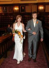 Ženich (vpravo) + nevěsta (vlevo)