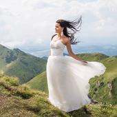 Svadobné korzetové šaty vyšívané perličkami a kryš, 36