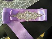 Ozdobný pásek ke svatebním šatům,