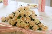 Ikebana na stôl novomanželov,