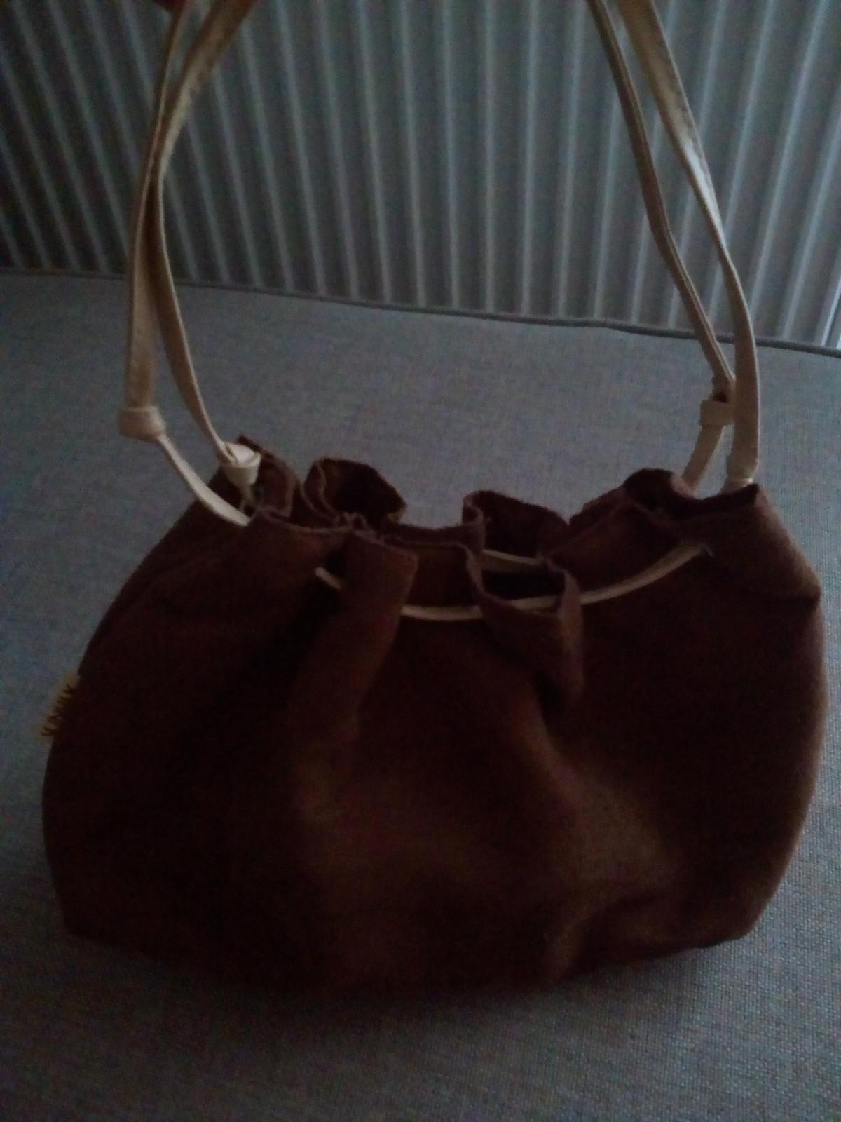 Semišová kabelka - Obrázok č. 3